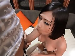 Page takes that thick Monstercock in her horny tight ass